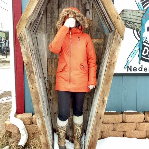 Burton Jackets & Blazers - Women's winter jacket